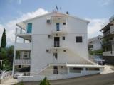 Kotor nekretnine - Apartmani Devic 50m od plaze