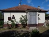Zrenjanin nekretnine - Na prodaji odmah useljiva kuća u Zrenjaninu (Šumica)