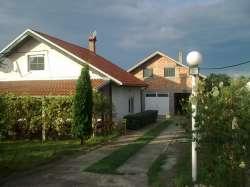 Beograd nekretnine - Dve kuce na 7,5 ari placa u podnozju Avale