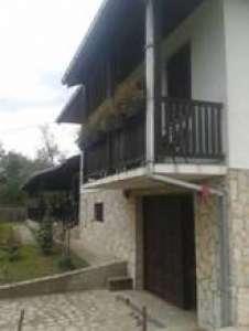 Sopot nekretnine - Kuća na padinama Kosmaja