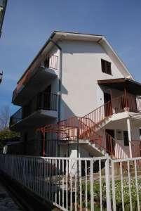 Herceg Novi nekretnine - Kuća 200 + 20 m2  Đenovići  pored plaže House 22O m2 on the beach Seaside , Đenovići, Boka Kotorska, Mentenegro