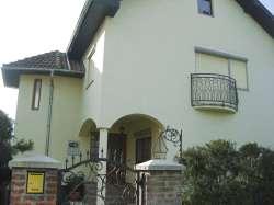 Kraljevo nekretnine - Prodaje se kuća u centru Mataruške Banje