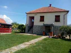 Cacak nekretnine - Na prodaju seosko imanje okolina Cacka