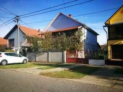 Beograd nekretnine - Prodaju se dve kuće u Jakovu