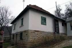 Gornji Milanovac nekretnine - Prodajem kuću, selo Polom, 60m2