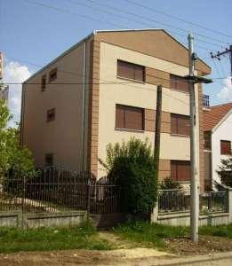 Kragujevac nekretnine - Prodajem kucu u Kragujevcu naselje Zvezda