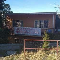 Bar nekretnine - Kuća na prodaju u Sutomoru naselje Brča pored Korala ispod magistrale 200 m od mora