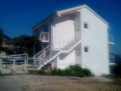 Kuća na crnogorskom primorju, prodaja ili zamena za Bg