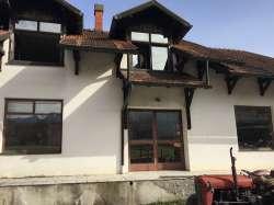 Gornji Milanovac immobilien - Prodajem ili menjam poslovno-stambene objekte, 11 ari
