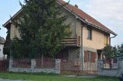 Stara Pazova nekretnine - Kuća u Surduku