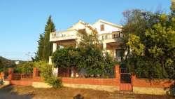 Bar nekretnine - Vikendica na crnogorskom primorju